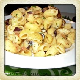 Pasta mit Auberginen- und Gorgonzolawürfeln